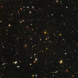 Imagem de campo profundo do Telescópio Espacial Hubble