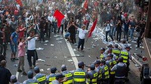 brasil-greve-professores-estado-sao-paulo-avenida-paulsita-20130510-07-size-598